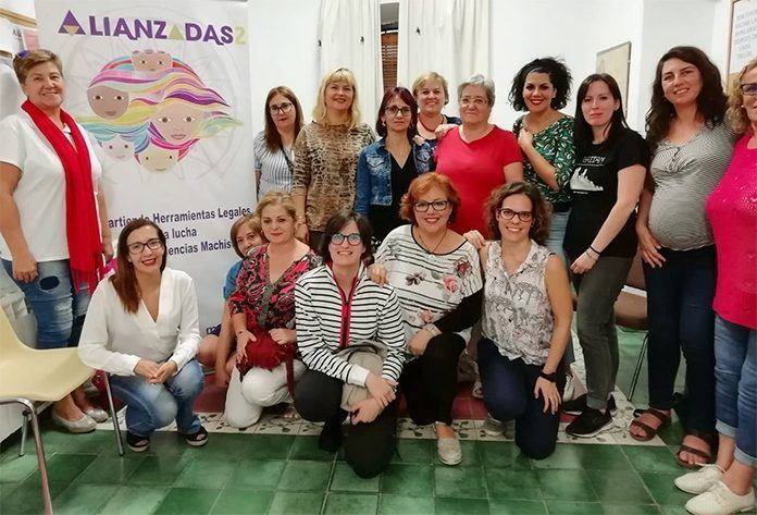 Participantes en el Taller Alianzadas 2 en Montijo en la Asociación de Mujeres Progresistas Elvira Quintana