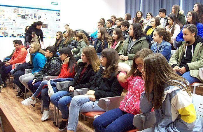 Visita a Experimenta, el Centro Interactivo de Ciencia de Llerena de alumnos del del IES Mª Josefa Baraínca de Valdelacalzada