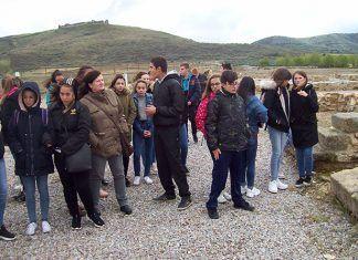 Visita a Regina de alumnos del del IES Mª Josefa Baraínca de Valdelacalzada