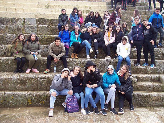 Visita a Regina de alumnos del del IES Mª Josefa Baraínca