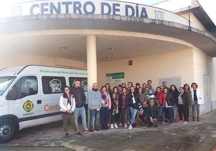La FP de Valdelacalzada visita diversos centros en Montijo