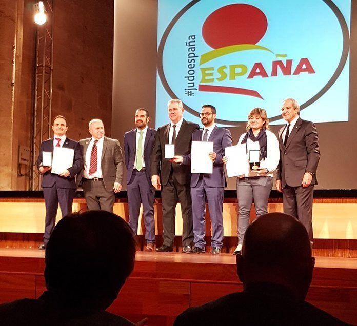 Montijo recibe la medalla de oro al mérito deportivo de la Federación Española de Judo y Deportes Asociados