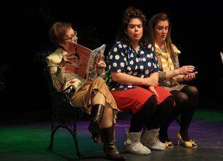 """El grupo de teatro La Higuera estrena la comedia """"Olvídate de mí"""" (Foto Teodoro Gracia)"""