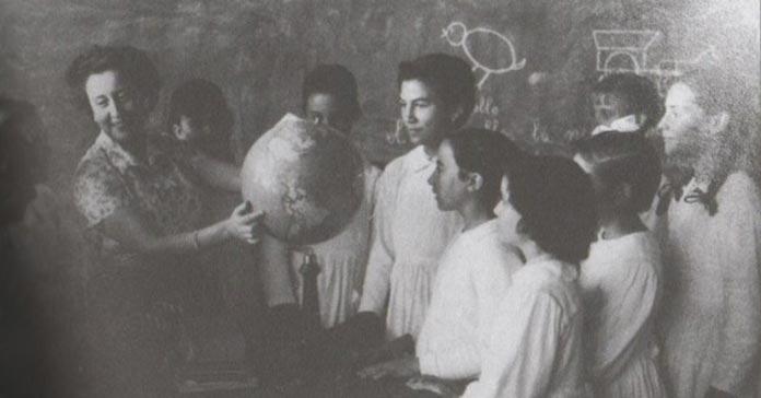 María Josefa Baraínca, primera maestra en Valdelacalzada. Maestra entre 1950 y 1977.