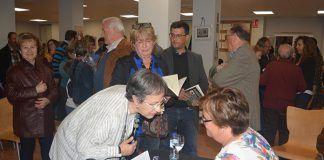 presentacion en la Biblioteca de Montijo el primer libro de Maria Jose Duque Sentir, sonar, vivir por ti