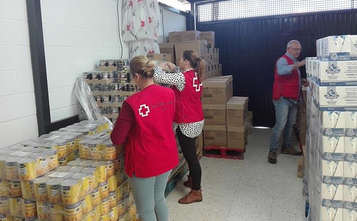 Cruz-Roja-Montijo-distribuye-6897-kilos-de-alimentos