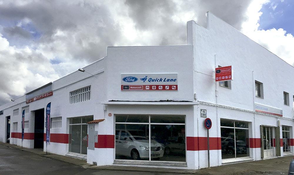 fachada-taller-hermanos-fernandez-gutierrez-ford-montijo