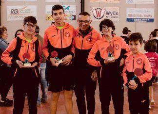 Participantes del Club Tenis Mesa Montjo en el Top-8.