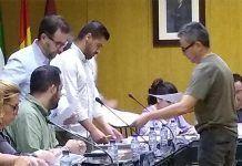 impulsa-Montijo-reparten-en-el-pleno-de-Montijo-informacion-sobre-los-salarios-del-campo