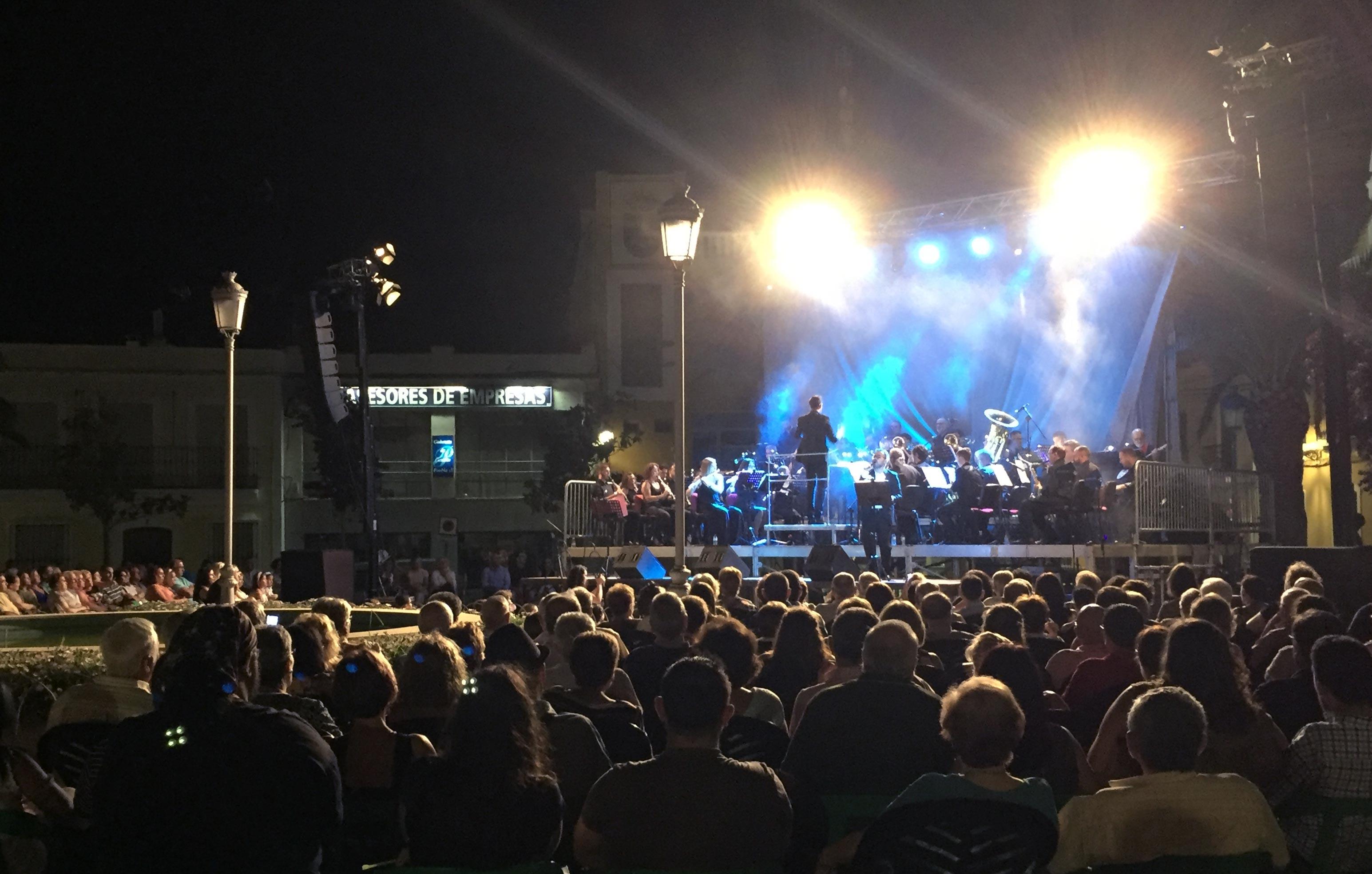Tributos-Sinfonicos-de-la-Banda-de-Musica-de-Puebla-de-la-Calzada-4