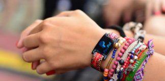 mano pulseras