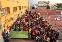 La comunidad del IES Enrique Diez-Canedo demanda un cuidador para un alumno afectado de parálisis cerebral