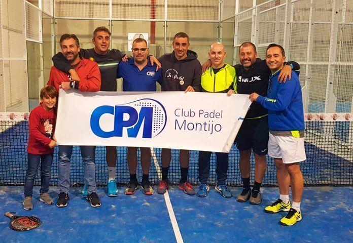 Equipo veteranos Club Padel Montijo campeones en Mérida.