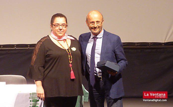 El doctor Jorge Gross Buiza en las Jornadas de Prevención y cómo enfrentarse al cáncer en Montijo.