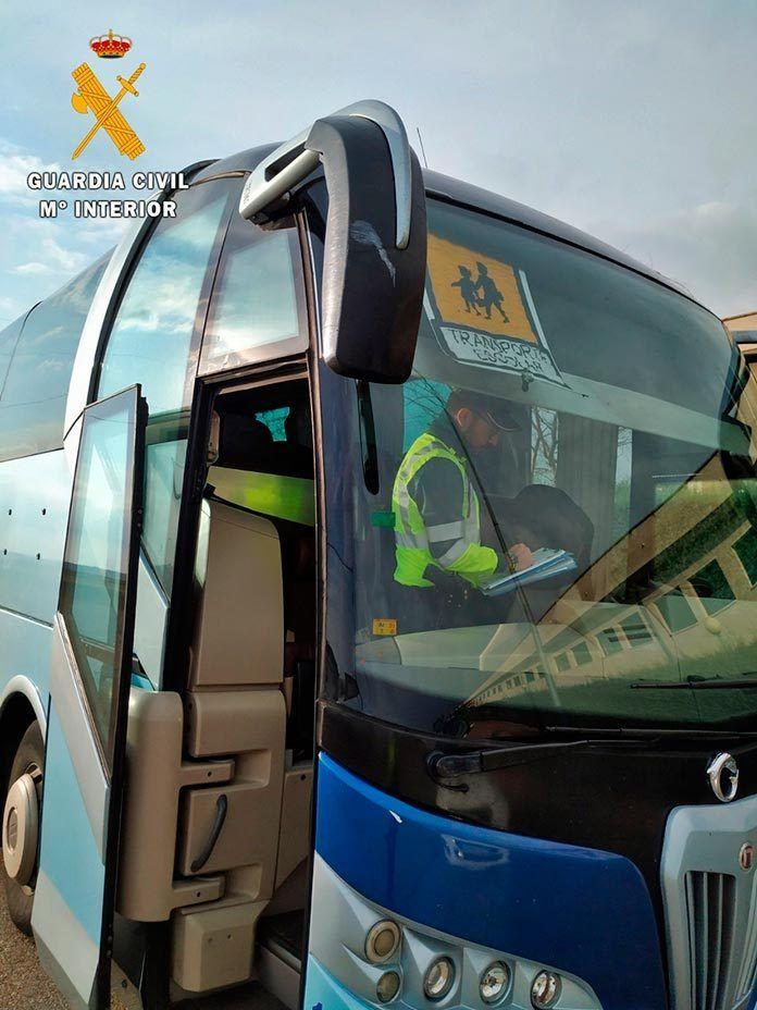 Conductor de autobús escolar quintuplicaba la tasa de alcohol permitida en Talavera la Real