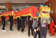El CEIP Padre Manjón de Montijo recibió el Año Nuevo Chino con un gran desfile