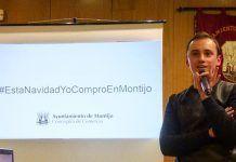 Diego Díaz Rodríguez, gerente comercial del Ayuntamiento de Montijo, en la presentación de la campaña de animación comercial de la Navidad en Montijo.