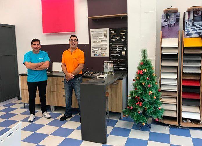 Instalaciones de Imagina cocinas y armarios, en Ronda del Valle 20, en Montijo.