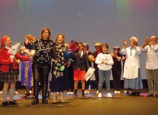 VÍDEO: Mary Poppins, ovación al equipo artístico en el Teatro de Montijo