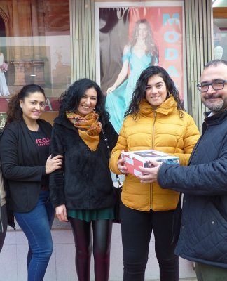 Entrega de premios de la campaña de animación comercial Navidades el Mundo del Ayuntamiento de Montijo