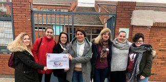 Alumnos de la Universidad Popular de Montijo visitan el CEIP Virgen de Barbaño