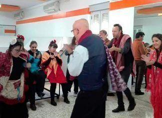 a oportunidad de disfrutar de los fundamentos básicos de esta disciplina a cargo del bailaor Óscar Jaén.