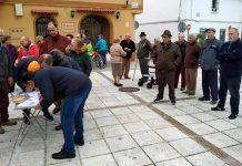 La Plataforma de Pensionistas de Montijo organizó una mesa informativa en Torremayor