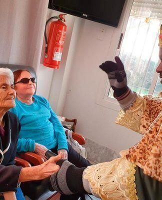 Visita del rey Baltasar a la Residencia de Mayores Virgen de Barbaño