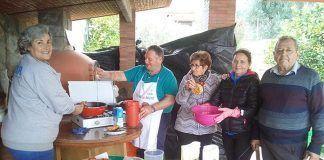 FOTOS: Taller gastronómico de flores extremeñas en Montijo