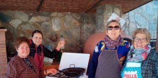 FOTOS: Taller gastronómico de elaboración de lomos caseros en Montijo