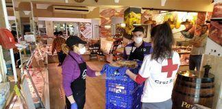 Carnicería Martínez Martín entrega a Cruz Roja Montijo comida preparada familias vulnerables de la localidad
