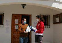 El Ayuntamiento de Barbaño entrega más de 50 litros de leche a Cruz Roja Montijo