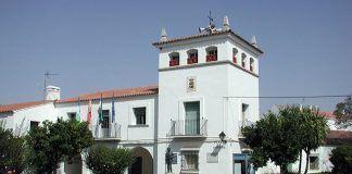 Fachada Ayuntamiento valdelacalzada