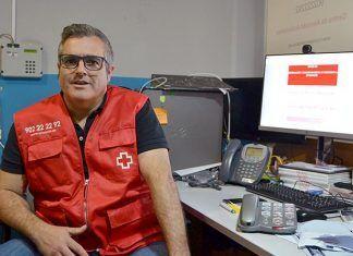 Miguel Martínez Reforzado el servicio de teleasistencia de Cruz Roja Extremadura para llegar a más de 11.000 personas