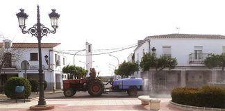 trabajos de desinfección de las calles y parques de Barbaño