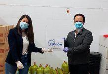 Inmobiliaria Colón y Maria Lanzo donan 600 litros de lejia al Ayuntamiento de Montijo