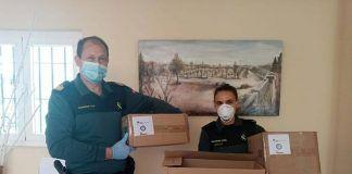 Donacion de material sanitario al Ayuntamiento de Valdelacalzada