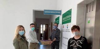 Los alumnos del CEIP Calzada Romana de Puebla de la Calzada donan material de desinfección a los Servicios Sociales con los fondos del viaje de fin de curso