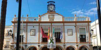 El Ayuntamiento de Montijo entrega Kits de proteccion sanitaria a empresas y autonomos