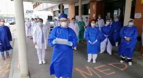 VÍDEO: Comunicado de los profesionales del Centro de Salud de Montijo-Puebla de la Calzada tras el el fallecimiento por COVID-19 médico Sebastián Traba