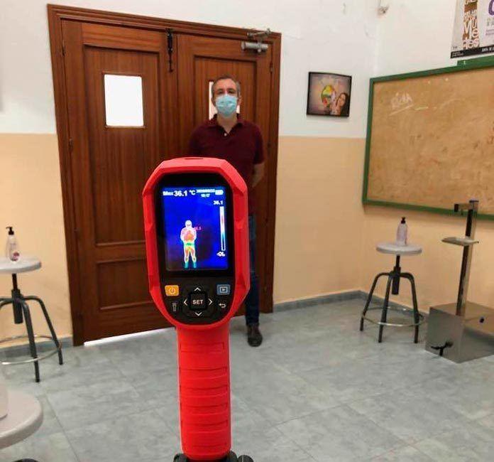 El Ayuntamiento de Puebla de la Calzada instala cámaras térmicas en los Centros Educativos