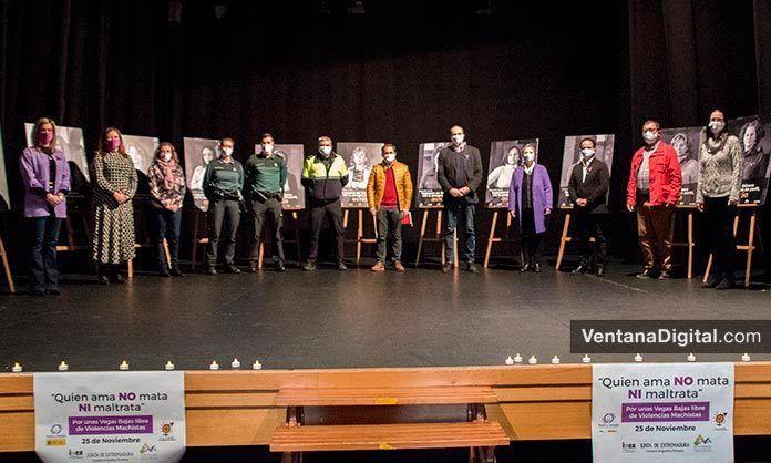FOTOS y VÍDEO 25N: Acto contra la Violencia de Género en Montijo