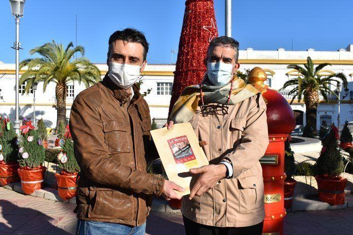 El Ayuntamiento de Puebla de la Calzada recibe una edición especial de La Ventana distribuida por Plena Inclusión Montijo