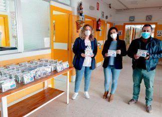 El Ayuntamiento de Guadiana dona material de protección contra la Covid-19 al CEIP San Isidro