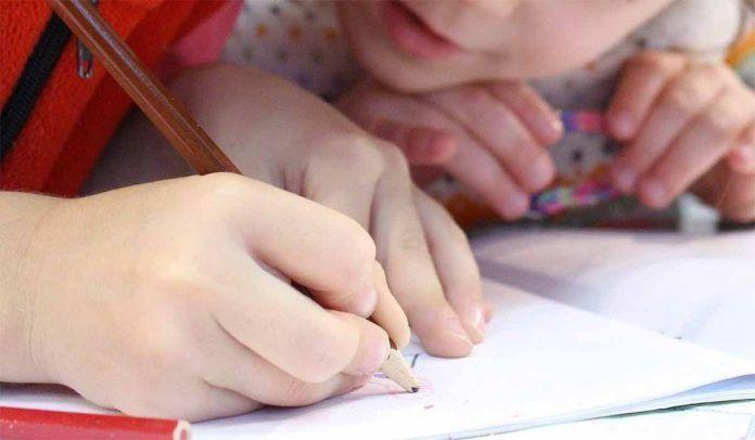 Discriminación por educación no inclusiva educación autismo escuela alumnos primaria infantil