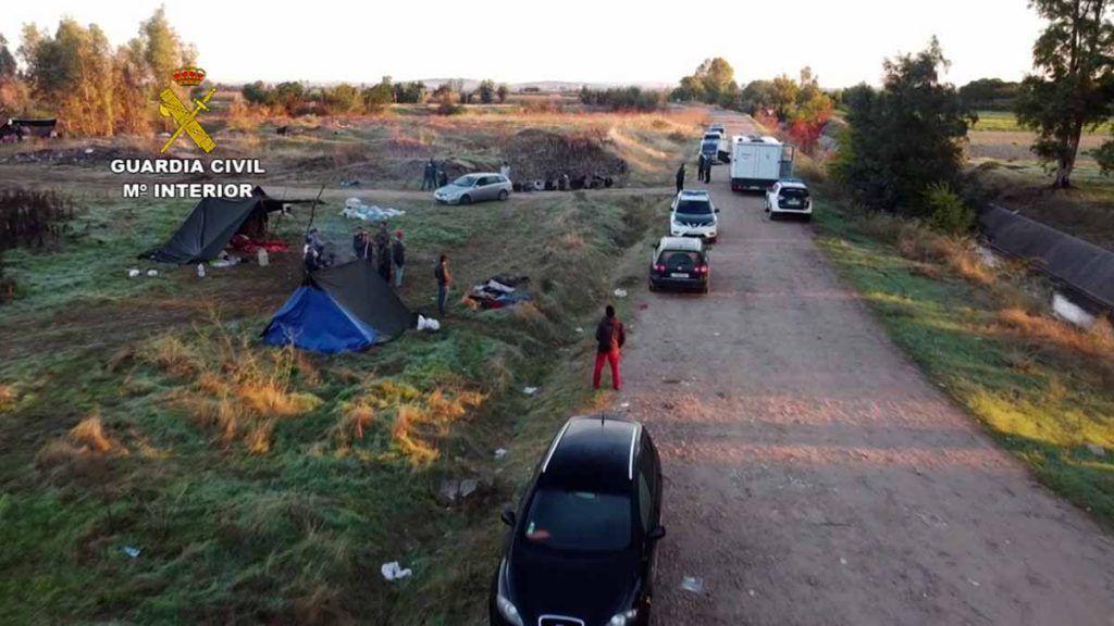 Guardia Civil detiene en Puebla de la Calzada a un grupo criminal por robos en explotaciones agricolas y ganaderas de Talavera la Real, Lobón, Guadiana, Torremayor, Montijo y Mérida